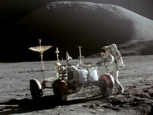 Apollo_15_Lunar_Rover_and_Irwin
